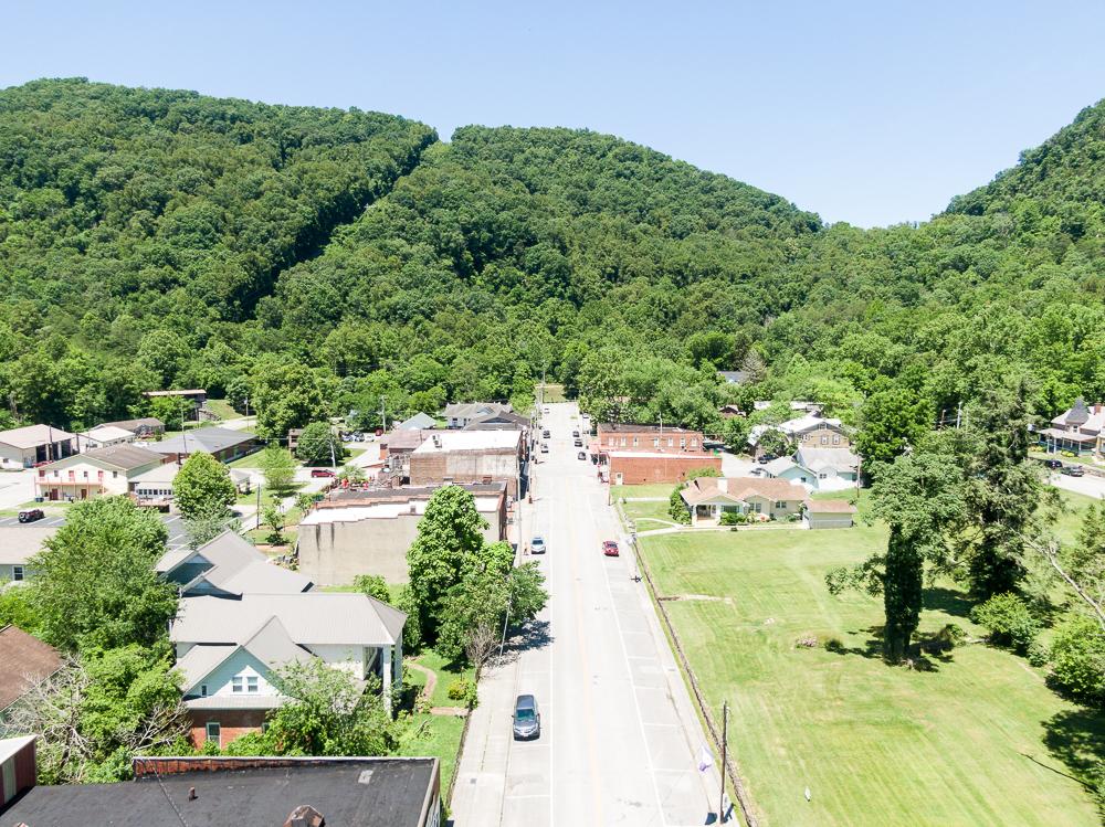 Street in Tazewell, TN Claiborne County Neighborhood